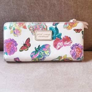 Betsey Johnson clutch/wallet